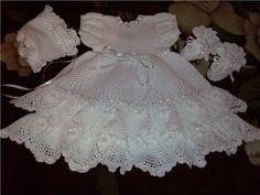 boneca pintada com vestido de croche_Pesquisa do Hao123