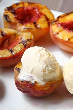 Grilled Peaches with Ice Cream | http://www.VeggieBalance.com/grilled-peaches-with-ice-cream/