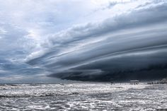 21 Terrifyingly Beautiful Photos of Incoming Storm Clouds