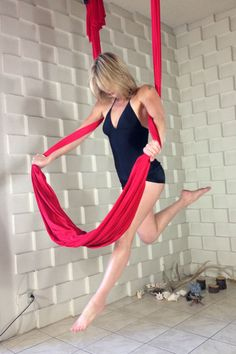 """Floating Angel"" by Stephanye of Ajna Life  Aerial yoga & dance in the hammock, silks, lyra and trapeze. Tutorials, pose references and lifestyle at ajnalife.com"