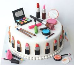 Girl Make Up Cake | #ChristmasCakes | deals-n-coupons.in/blog/