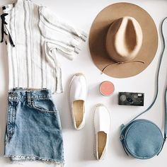 Clothing, accessories and apartment items for men and women. Summer Outfits, Cute Outfits, Short Outfits, Summer Clothes, Flatlay Styling, Fashion Outfits, Womens Fashion, Fashion Flatlay, Gowns