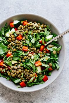 The BEST Lemon Balsamic Lentil Salad w/ BRILLIANT Lunch kits! Vegan, vegetarian, gluten free, and only takes 10 minutes to make! Whole Foods, Whole Food Recipes, Cooking Recipes, Vegan Lunch Recipes, Vegan Dinners, Vegan Vegetarian, Healthy Dinners, Raw Vegan, Lentil Salad Recipes
