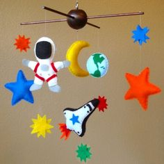 Outer Space Adventure Baby Mobile - Space Shuttle, Astronaut, Earth, Moon, Stars - Custom Felt Colors Available (As Seen On HGTV) Baby Mobile Felt, Baby Crib Mobile, Baby Mobiles, Stem Projects, Projects To Try, Diy For Kids, Crafts For Kids, Baby Sleeping Sign, Diy Rocket