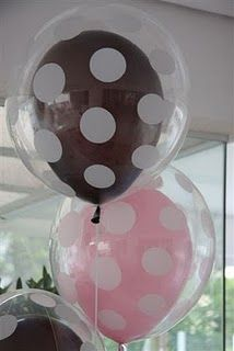 DIY party Double Balloons-Any color of balloons would look good in the polka dot balloons. Polka Dot Balloons, Polka Dots, Clear Balloons, Minnie Mouse Balloons, Black Balloons, Deco Ballon, Holidays And Events, Party Gifts, Holiday Parties
