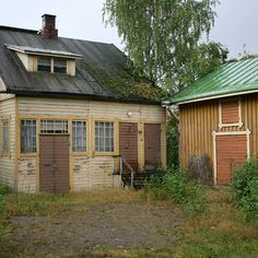 Old country house, Pispala, Tampere, Finland, photograph by Liivia Sirola. Old Country Houses, Old Houses, House Landscape, Homeland, Norway, Sweden, Abandoned, Wonderland, Buildings