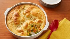 Serve this easy chicken pot pie made using just four ingredients. Pillsbury® pie crust, mixed veggies and Progresso® chicken soup come together in this scrumptious family dinner. Bisquick Recipes, Pie Recipes, Chicken Recipes, Cooking Recipes, Family Recipes, Healthy Chicken, Turkey Recipes, Homemade Chicken Pot Pie, Recipes