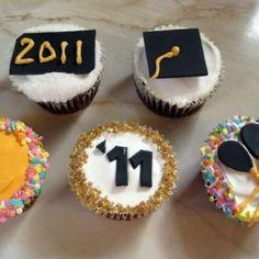 Graduation Cupcake Ideas ~ *Good for Graduation Party Food* Graduation Party Foods, Graduation Theme, Graduation Cupcakes, College Graduation, Grad Parties, Birthday Parties, Graduation Ideas, Graduation 2015, Graduation Celebration