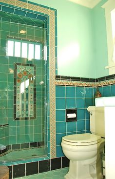 This American Home: Tile Style: California Pottery and Tile Works - Today Pin Art Deco Tiles, Art Deco Bathroom, Bathroom Styling, Bathroom Interior Design, Spanish Style Bathrooms, Spanish Bathroom, Spanish Revival Home, Tuile, Vintage Bathrooms