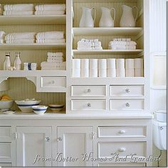 love the white on white shelving