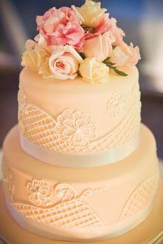Sunshine Coast Brides Magazine | Cake - Cake Designs | Photography - Studio Impressions Photography
