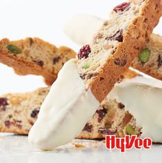 Soaking dried cranberries in orange liqueur adds a special accent to these crisp and crunchy biscotti. Vegetarian Sweets, Pistachio Biscotti, No Bake Bars, Weekly Menu, No Bake Treats, Recipe Images, Menu Planning, Melting Chocolate, Baked Goods