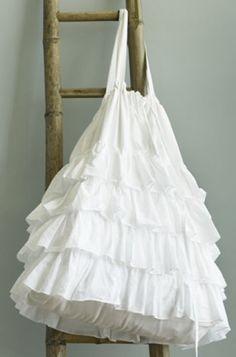 Shaby Ruffled Tote Bag - Free Sewing Tutorial