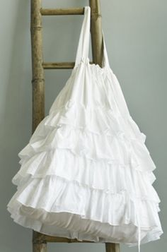Shabby Ruffled Tote Bag – Free Sewing Tutorial & Pattern