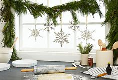 Kitchen Christmas, I can do this over my kitchen window, with the snow flakes that I did not put on the tree!