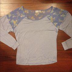 Beautiful light weight shirt! So comfy & stylish❤️ Beautiful light weight shirt! So comfy and stylish ❤️ Mudd Tops