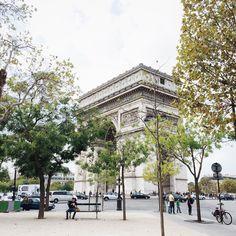 Bonjour de Paris 💛 Paris fashion week is on 👠💄 #letsdothis