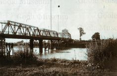 A 1930's view of Boothferry Bridge.