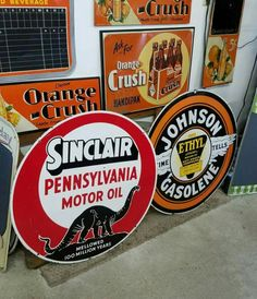 RARE Original Porcelain Signs! Advertising Signs, Vintage Advertisements, Vintage Gas Pumps, Old Gas Stations, Porcelain Signs, Garage Signs, Sign Sign, Old Signs, Oil And Gas