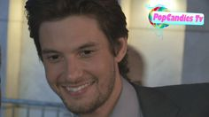 Ben Barnes meets fans at The Words Premiere in Hollywood - YouTube