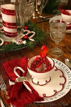 Christmas Tablescape ~ From Once Upon a Plate Centerpiece Christmas, Diy Christmas Decorations Easy, Christmas Table Settings, Christmas Tablescapes, Table Decorations, Holiday Tables, Centerpieces, Christmas Candles, Christmas Dishes