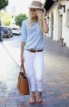Cool 37 Simple and Gorgeous Spring Work Outfits for Women https://outfitmad.com/2018/04/21/37-simple-and-gorgeous-spring-work-outfits-for-women-gambar-ada-yang-tak-sesuai/