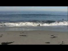 Relaxing Nature Video Of Ocean Waves With Nature Sounds By MoneySavingVideos… Ocean Wave Sounds, Ocean Waves, Sounds Of The Ocean, Beach Waves, No Wave, Relaxing Gif, Relaxing Music, Yoga, Meditation Musik