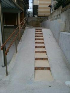 スロープ 真ん中階段 - Yahoo!検索(画像) Yahoo, Stairs, Green, House, Home Decor, Stairway, Decoration Home, Home, Room Decor