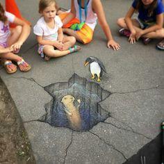 David Zinn - Trans-hemispheric birds-n-mammals meetup at the Detroit Zoo Murals Street Art, 3d Street Art, Street Art Graffiti, Street Artists, Graffiti Artists, David Zinn, Amazing Street Art, Amazing Art, Chalk Drawings