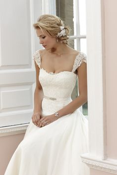 Sara Sassi Holford 2014 Signature Collection. The Sassi Holford Wedding Dress Collection at Brides of Winchester, Hampshire.
