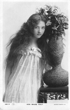 Maude Fealy looking really quite stunning.  If I look like this in my wedding photos I'll be pretty darn happy...