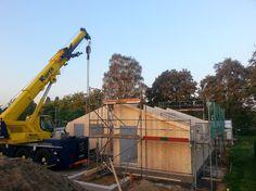 Morgenstund hat Gold im Mund - weitergeht's beim Holzhausbau, Vollholzhaus Montage in Niederkrüchten - Bauplanung gerne mit unserem Architekten Team - http://www.zimmerei-massivholzbau.de