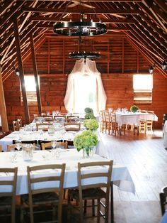 there's something about rustic weddings that I cannot get enough of!
