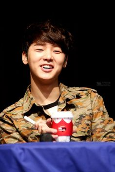 131222 Kang Minhyuk [CNBLUE] Hahahahehehe. Don't know what kind of laughter emitted through that mouth. cr: kangminhyuk.com