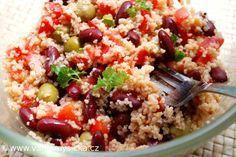 Díky kuskusu, který se nemusí vařit, můžete do 10 minut připravit sytý a výživný salát Pikantní koření mu navíc dodá výraznou chuť.