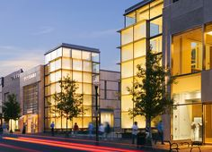 Chevy Chase Center | Chevy Chase, Maryland, USA | HOK's design transformed a 50-year-old suburban shopping center into modern offices, restaurants and retail stores in one of the country's most successful neighborhood retail centers.