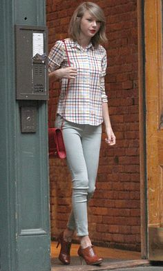 Taylor Swift's style - oxford heels