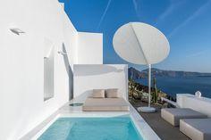 Hotel Saint Luxury Suites & Spa (Griechenland Ia) - Booking.com The Saint, Luxury Suites, Outdoor Pool, Outdoor Decor, Spa, Santorini Greece, Pools, Saints, Home Decor