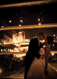 Getting married in Ohio? Consider one of these Cincinnati wedding venues to make your wedding planning dreams come true. From waterfront wedding venues to a sports stadium wedding, your wedding ceremony and reception will be nothing short of gorgeous. | Great American Ball Park