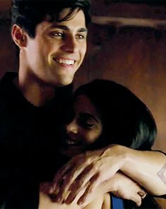 Just imagine getitng to see that happy smile on a daily base. No wonder Magnus isn't willing to give up on Alec that easily :-) ... From the tv serie Shadowhunters ... the mortal instruments, alexander 'alec' lightwood, isabelle lightwood, shadowhunters, emeraude toubia, matthew daddario