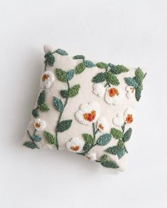 Floral Cushions, Decorative Cushions, Needle Cushion, Punch Needle Patterns, Design Floral, Embroidery Techniques, Digital Pattern, Hand Embroidery, Pillow Covers