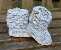 Crochet Pattern Baby Booties with Scallops Baby Boots Pattern