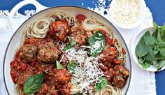 All-in-one meatballs in tomato sauce(Hmmmmmmmmmm) Recipe Search, Tomato Sauce, Pasta Dishes, Heaven, Challenge, Beef, Ethnic Recipes, Food, Tomato Gravy