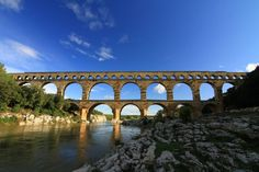 The Pont du Gard is part of a monumental aqueduct that was nearly 50 kilometers long. The majesty of its environment and its tremendous conservation are one of the key monuments of Provence.
