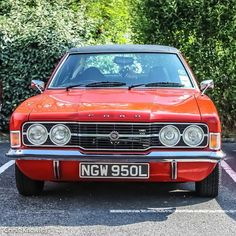 Classic Cars British, Ford Classic Cars, Classic Trucks, Retro Cars, Vintage Cars, Cars Uk, Classic Motors, Car Ford, Commercial Vehicle