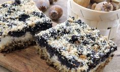 Tvaroho-makový koláč bez mouky Healthy Cookies, Healthy Dessert Recipes, Sweet Desserts, Sweet Recipes, Baking Recipes, Gluten Free Cakes, Gluten Free Baking, Biscuit Sandwich, Czech Recipes