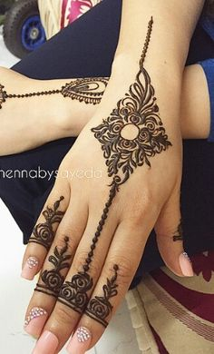 Health, Fashion, Mehindi, Dressing : Mehindi design for Eid lovely Hena Designs, Arabic Henna Designs, Henna Designs Easy, Beautiful Henna Designs, Beautiful Mehndi, Henna Tattoo Designs, Mehndi Tattoo, Mehndi Art, Henna Mehndi
