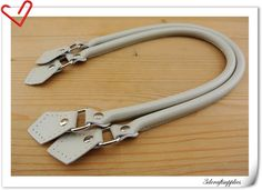 leather handles 22 inch a pair  Off-White   K3