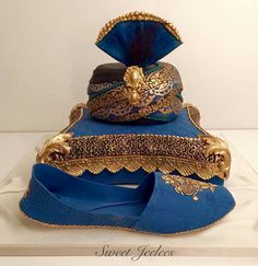 Indian Wedding Cakes, Cookies Et Biscuits, Captain Hat, Hats, Desserts, Beautiful, Cake Decorating, Weeding, Diaries