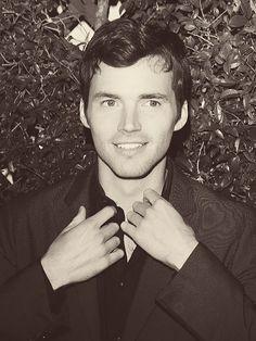 Ezra Fitz can be my teacher any day ; Beautiful Men, Beautiful People, Watch Pretty Little Liars, Ezra Fitz, Ian Harding, Famous Men, Christian Grey, American Actors, American Horror